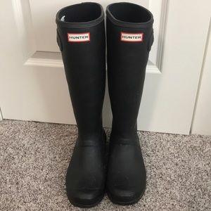 Hunter boots matte black size 10